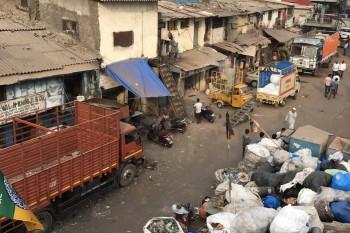 インド ダラヴィの奇跡~アジア最大のスラム街が確立したビジネスモデル~