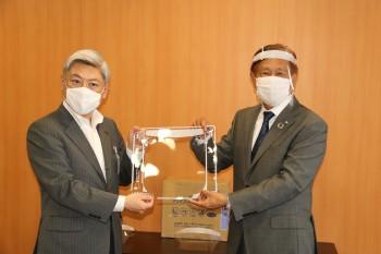 滋賀県大津市にフェイスシールドの寄贈及び感謝状を頂戴致しました。